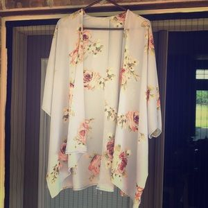 EUC Beautiful floral kimono